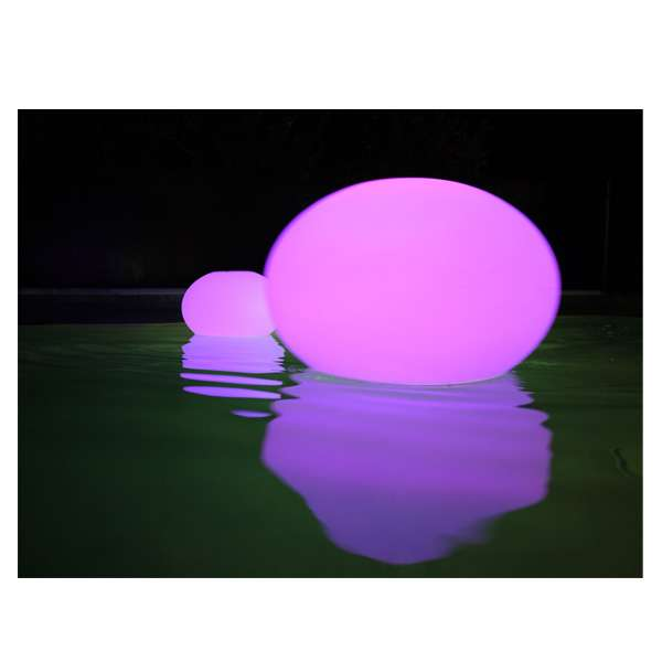 lampe led piscine le must have de l 39 t 2013 pour une piscine tendance piscines du monde le blog. Black Bedroom Furniture Sets. Home Design Ideas
