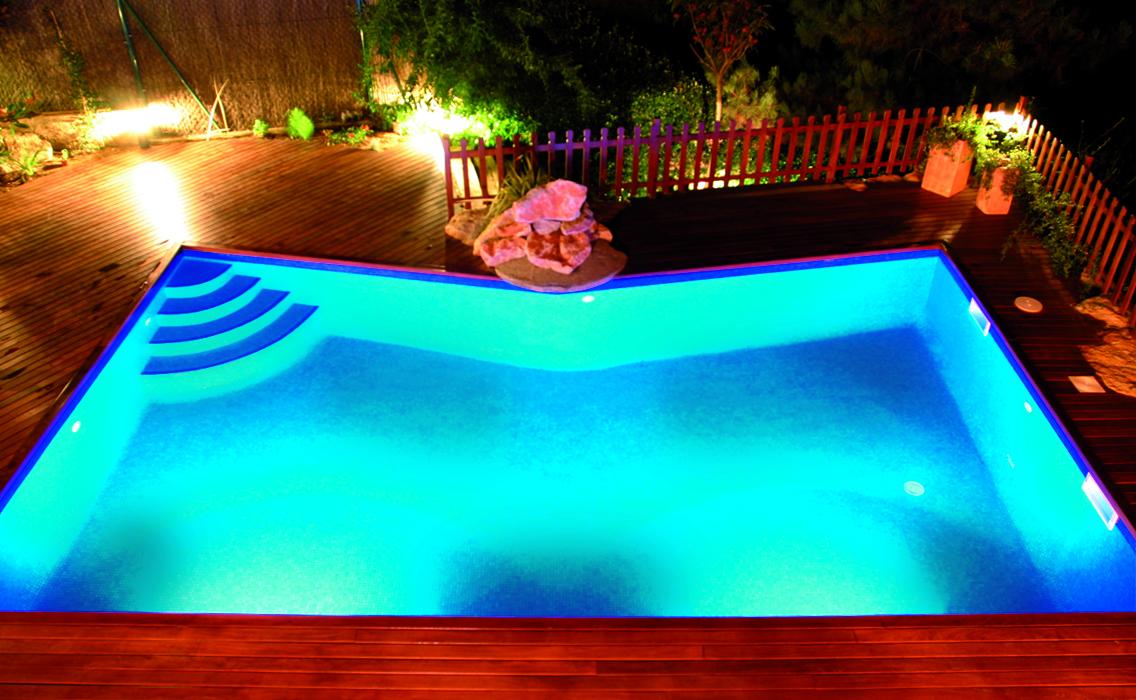 il est temps de penser la d coration de sa piscine pour un bel t 2014 piscines du monde le. Black Bedroom Furniture Sets. Home Design Ideas
